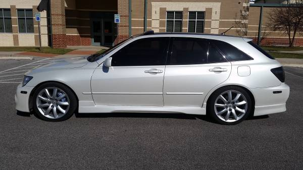 lexus is 300 wagon for sale the wagon. Black Bedroom Furniture Sets. Home Design Ideas