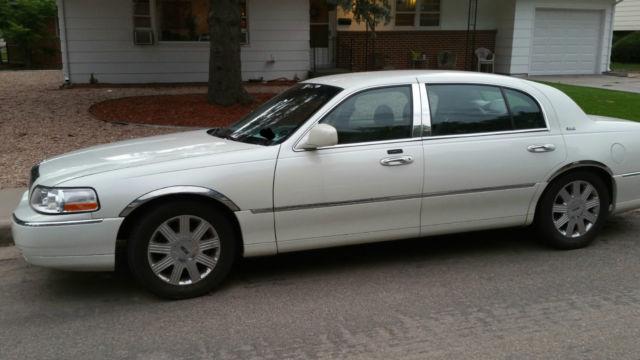 http://veh-markets.com/uploads/postfotos/2003-lincoln-town-car-cartier-l-sedan-4-door-46l-3.jpg