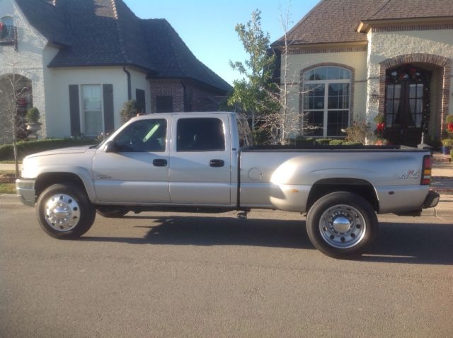2004 duramax with 22 5 alcoa semi truck wheels