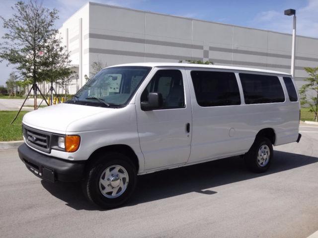 2004 Ford E350 Ext 15 Passenger Transport Shuttle 1 Owner