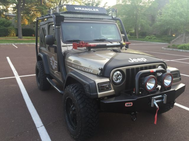 2004 jeep wrangler rubicon 2 door lifted custom bumpers professionally modified. Black Bedroom Furniture Sets. Home Design Ideas