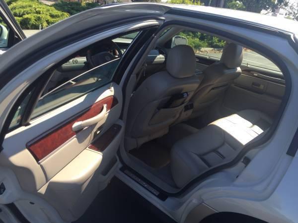 2004 Lincoln Town Car Ultimate L Sedan 4 Door 4 6l