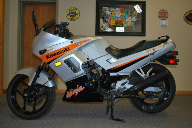 2004 Ninja Ex250 9000 Miles Newer Tires 55 To 75 Mpgss Bullet Proof