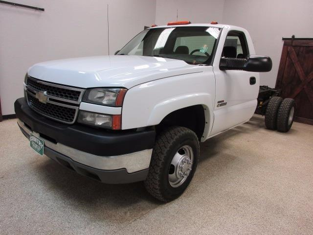 2005 chevrolet 3500 4x4 6 speed manual duramax diesel. Black Bedroom Furniture Sets. Home Design Ideas