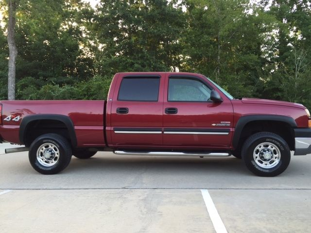 2005 chevy 2500 hd crew cab 4x4 duramax diesel only 26 000 actual miles. Black Bedroom Furniture Sets. Home Design Ideas