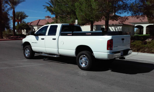 2005 Dodge Ram 2500 Quad Cab 4WD 5 7L V8 Hemi Long Bed