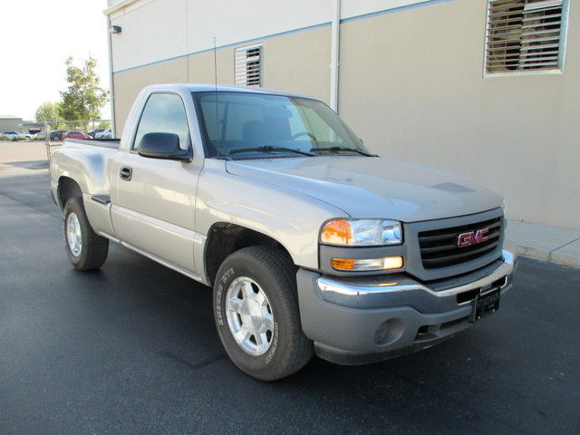2005 gmc sierra step side 4x4 clean carfax 1 owner manual 5 speed no rh veh markets com 2005 gmc sierra manual 2005 gmc sierra owners manual