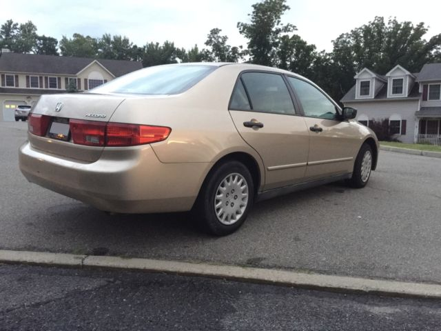 2005 honda accord vp 4 door sedan car beige gold ac radio. Black Bedroom Furniture Sets. Home Design Ideas