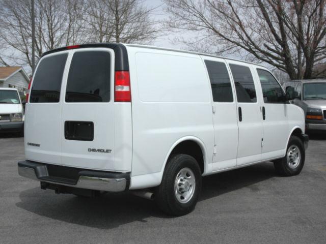 2006 chevy express g3500 one ton cargo van 6 6l diesel. Black Bedroom Furniture Sets. Home Design Ideas