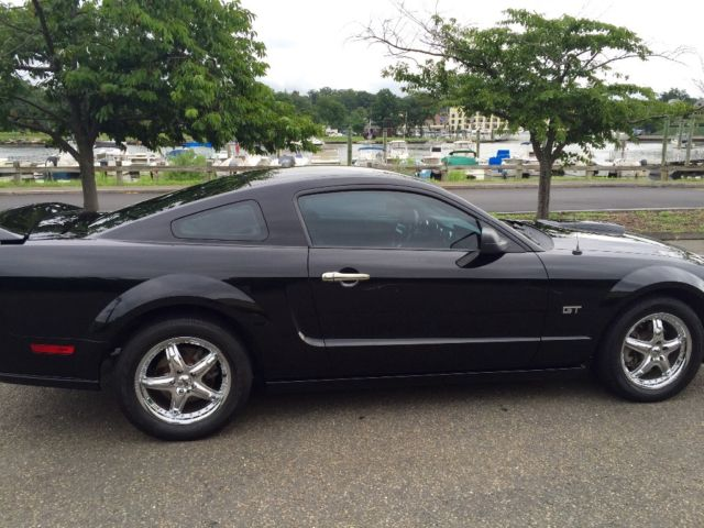 2006 ford mustang gt 85 000 miles 5 speed manual. Black Bedroom Furniture Sets. Home Design Ideas