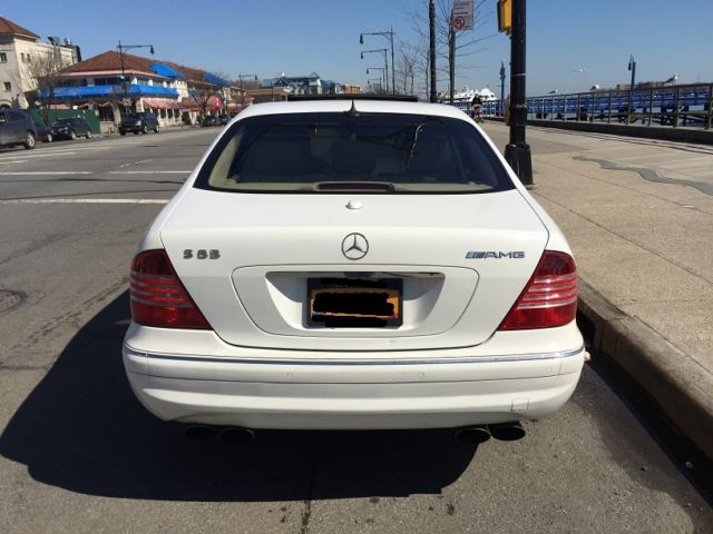 2006 Mercedes Benz S65 AMG Maybe one White car is US 604hp Rocket