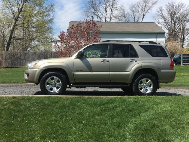 2006 toyota 4runner sr5 4wd auto moonroof lock diff rsca dac new tires. Black Bedroom Furniture Sets. Home Design Ideas