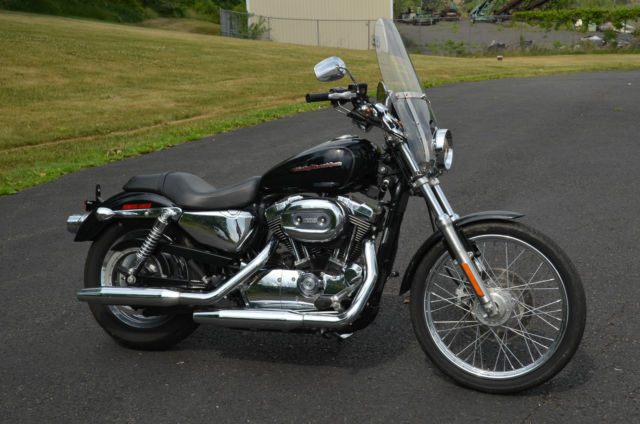 Harley Davidson Xl  Sportster Custom Vivid Black