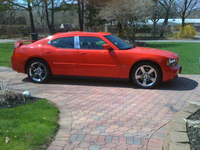 2007 Dodge Charger RT (RED) MUST SEE!!!!!!