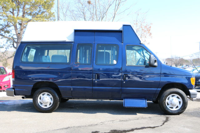 2007 Ford Econoline E350 Handicapped Lift Van Bus For SaleVERSATILE SEATING