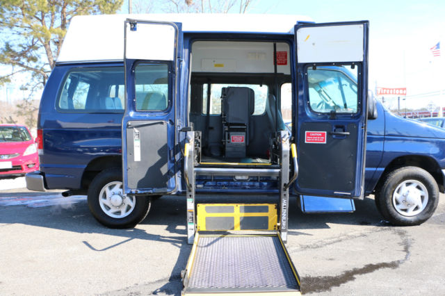 2007 Ford Econoline E350 Handicapped Lift Van Bus For Sale