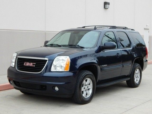 2007 gmc yukon slt 4x4 one owner mint condition 3rd row. Black Bedroom Furniture Sets. Home Design Ideas