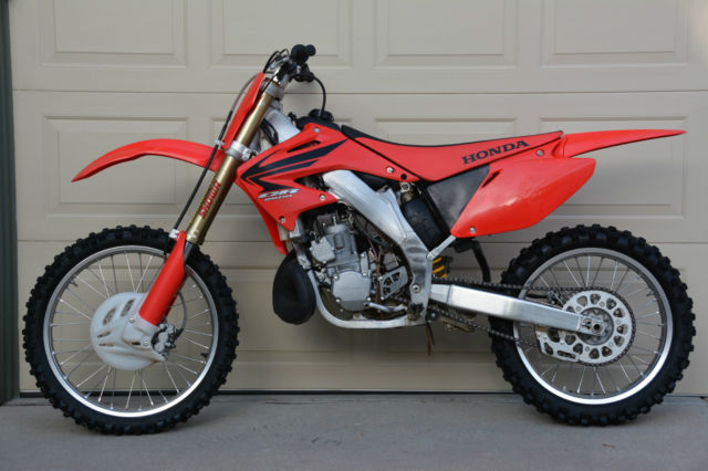 2007 Honda Cr250r Cr 250 R 2-stroke Mx Bike