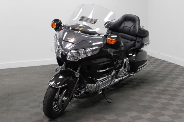 2007 honda gl1800 goldwing 1800 low miles loaded nav heated seats. Black Bedroom Furniture Sets. Home Design Ideas