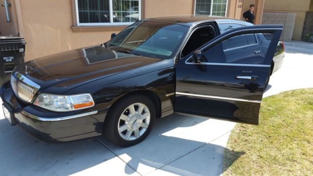 2007 Lincoln Town Car Executive L Sedan Very Clean And Well Maintained