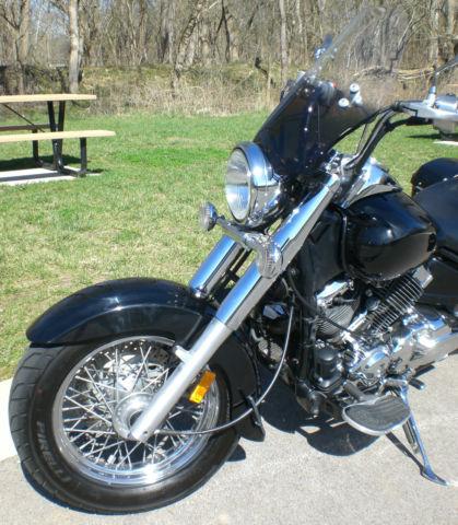 2007 yamaha v star 650 classic w saddlebags bub exhaust m shades windshield. Black Bedroom Furniture Sets. Home Design Ideas