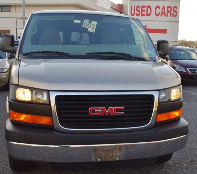 2008 GMC Savana 12 Passenger Van
