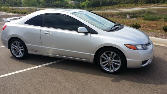 2008 honda civic si coupe 2 door 2 0l clean carfax. Black Bedroom Furniture Sets. Home Design Ideas