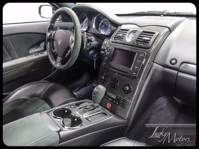 iphone 8 skal alcantara car interior
