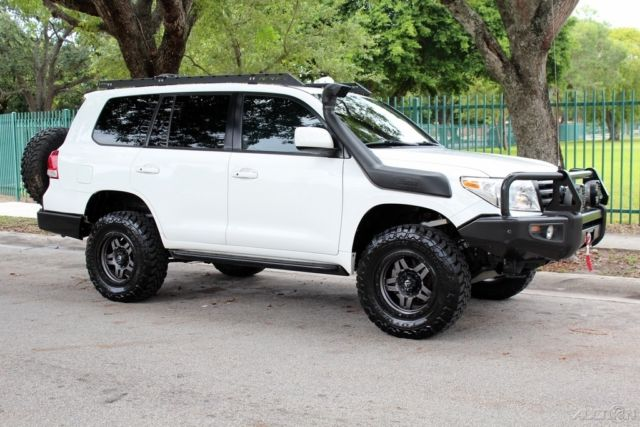 2008 Toyota Land Cruiser 200 Series Loaded Lifted Rear