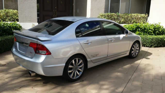 2009 2010 2008 honda civic si sedan silver black 6 speed for Honda civic 2010 model