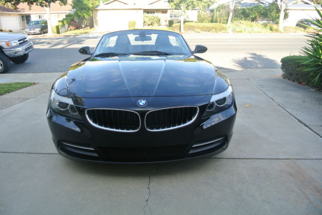 2009 bmw z4 hardtop convertible with low miles. Black Bedroom Furniture Sets. Home Design Ideas