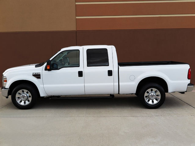 2009 ford f 250 sd xlt crew cab short bed 6 4l diesel 2wd 1owner texan rust free. Black Bedroom Furniture Sets. Home Design Ideas