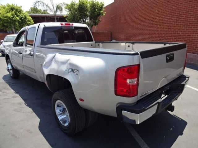 2009 gmc 3500hd sle 4wd wrecked salvage
