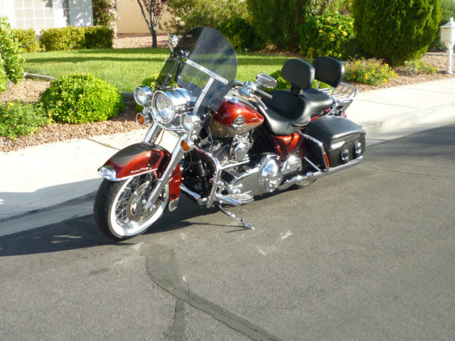 Harley Davidson Road King Classic Blue Book