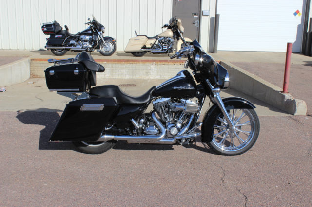 """Used Cars Sioux Falls >> 2009 Harley HD FLHX Street Glide, 21"""" Front Wheel, Stretched Bags & More, Used"""