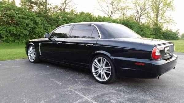 2009 Jaguar Super V8 photo - 7