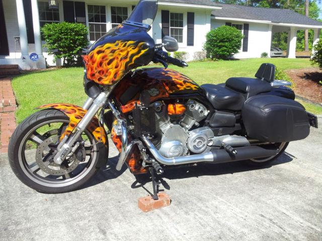 Harley Davidson: 2009 VRSCF V Rod Muscle Custom Touring Excellent Condition