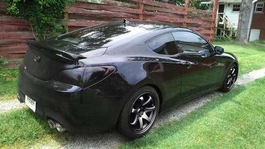 2010 black hyundai genesis coupe 3 8 track coupe 2 door 3 8l. Black Bedroom Furniture Sets. Home Design Ideas