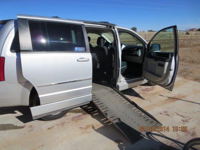 71f5ef56f7d5d7 2010 Dodge Grand Caravan SXT Mini Passenger Van 4-Door 3.8L