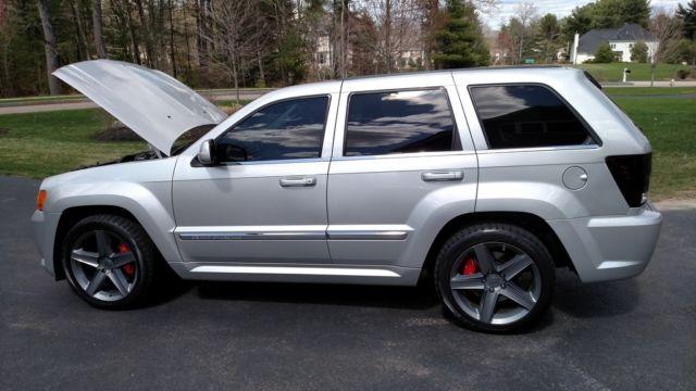 2010 jeep grand cherokee srt8 fully loaded 84k miles no reserve. Black Bedroom Furniture Sets. Home Design Ideas
