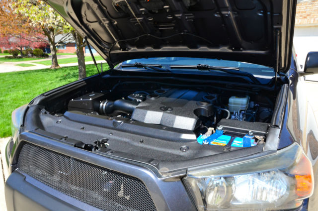2010 Toyota 4Runner Trail Edition-KDSS--LIFTED--LOADED