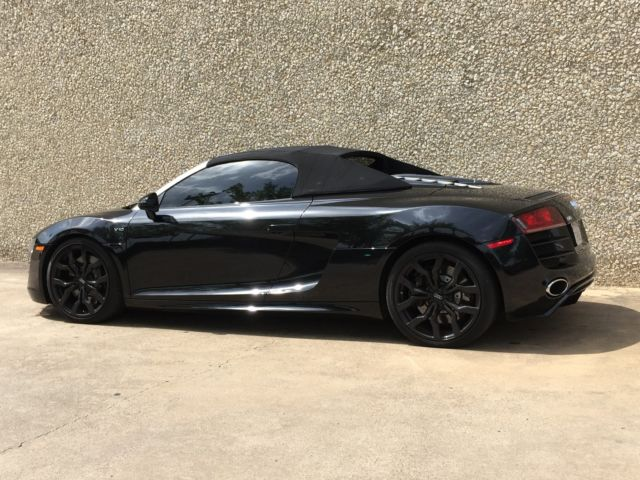 2011 Audi R8 Spyder Convertible 2-Door 5.2L V10 6 SPEED MANUAL TRIPLE BLACK!