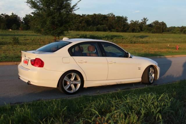 BMW I XDrive White - 2011 bmw 335i xdrive sedan