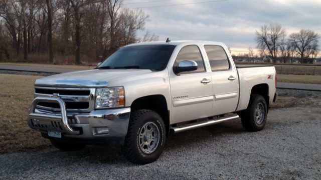 2011 chevrolet silverado 1500 4wd crew cab white diamond. Black Bedroom Furniture Sets. Home Design Ideas