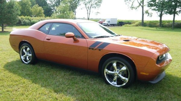 2011 dodge challenger r t coupe only 8 629 actual miles. Black Bedroom Furniture Sets. Home Design Ideas