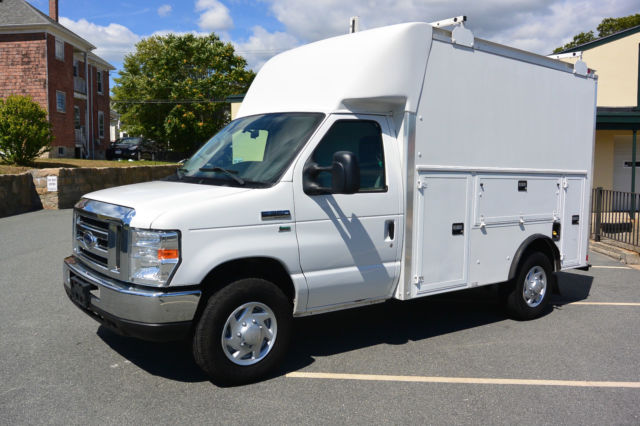2011 Ford E350 Spartan Enclosed Utility Cutaway Van 5 4L V8