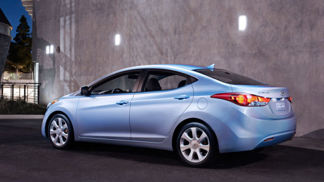 2011 Hyundai Elantra GLS - Baby Blue Clean le