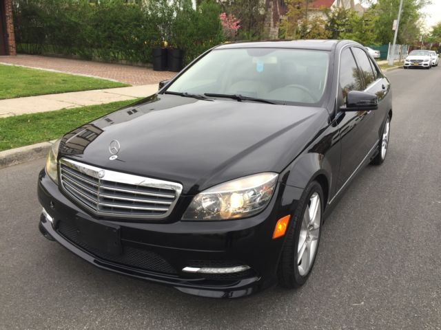 2011 Mercedes Benz C300 4matic  Navigation  38k ml