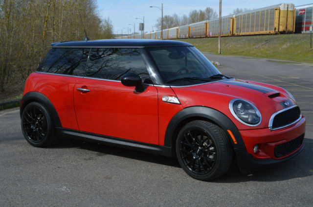 2011 mini cooper s 6 speed manual navi hk sound pano roof. Black Bedroom Furniture Sets. Home Design Ideas