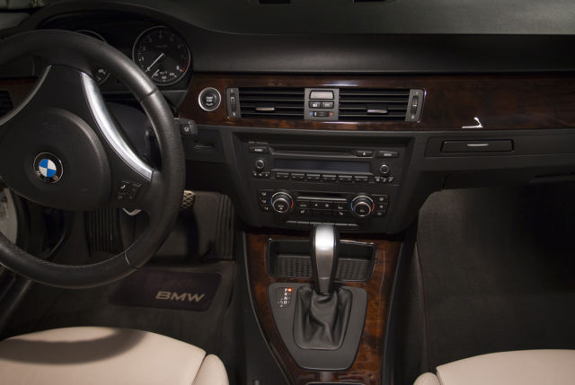 BMW XI White Tan Interior Like New - 2012 bmw 335xi